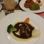 グランカフェ - 料理写真:メインの 牛肉の赤ワイン煮