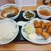 日高屋 - 料理写真:唐揚げ定食680円+半ラーメン200円