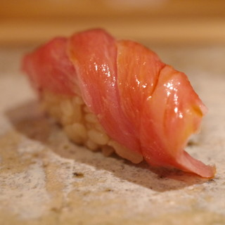 鮨 さかい - 料理写真:鮪トロ