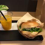 ノードカフェ - ベーグルサンド マンゴージュース