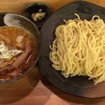 つけ麺屋 やすべえ - 味噌つけ麺(中盛り) + つぶし生にんにく