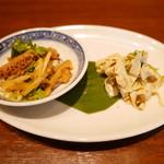 54410642 - 前菜:ハチノスの辛味和え、押し豆腐と豆苗と雪菜