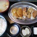 ギョーザの店 - ワンコインで食べられるギョーザ定食ギョーザ(2010.04)