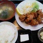 ギョーザの店 - 唐揚げ定食(2010.10)