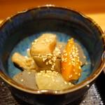 粋・丸新 - イカと根菜の煮物