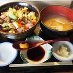 居酒屋 肴とり - 海鮮ばらちらし丼