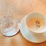 洋食 SHIMADA - 料理写真:②ディナースープ