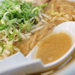 らーめん庵 - スープ