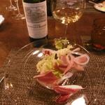 ル・ゴーシュ・セキ - カツオのサラダ、白グラス16.7