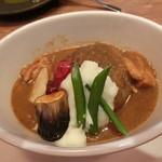 キッチンツナグ - 料理写真:11種スパイスのカレーハンバーグ