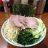 武蔵家 - 料理写真:最強 チャーシュー麺にキャベツ、もやしトッピング 全部のせより凄い!おすすめ