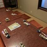 なる美寿司 - 店内(座敷)