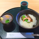 三輪山本 お食事処 - 手延べ式三輪素麺『白竜』