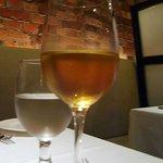 パネ・エ・ヴィーノ - ハウスワイン デキャンタで オーガニックの白です