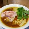 うろた - 料理写真:醤油の鶏そば 750円
