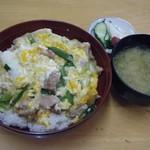 はんぼ食堂 - 料理写真:親子丼@650