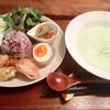 カフェ ツバメ - 料理写真:今日のスープランチ 枝豆と新じゃがのポタージュ