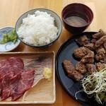 鯨食堂 - 【2016/8】鯨竜田揚定食+鯨刺身
