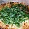 PIZZERIA Napoli  - 料理写真:マルゲリータ エ ルッコラ(自家栽培野生種のルッコラ使用)