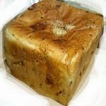 職・パン屋 - スパイシーベーコン&チーズ