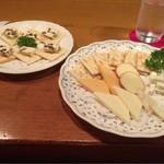 CASK - レーズンバターとチーズ盛り合わせ