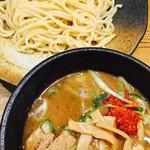 つけ麺本丸 - 濃厚魚介つけ麺