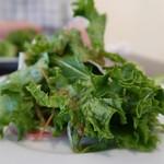 海鮮バル うおのすけ - 料理写真:サラダつき。 どこにピントが合ってるの?