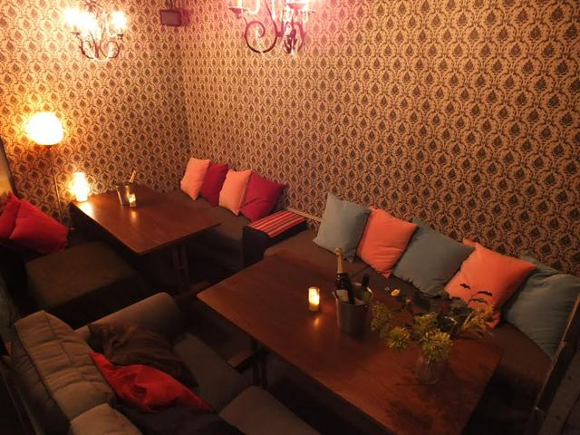 https://tabelog.ssl.k-img.com/restaurant/images/Rvw/54601/640x640_rect_54601571.jpg