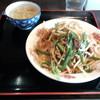 GOBAN - 料理写真:たまねぎレバ麺(880円)