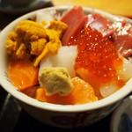 海鮮市場 長崎港 - 海鮮丼
