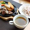 レストハウスウエノ - 料理写真:カットステーキ&白身フライ