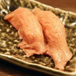 渋谷 桜丘 肉寿司 - タン(1貫270円)2016年7月