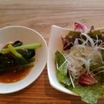 シンガポール・シーフード・リパブリック - サラダです♪