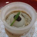 トゥ・ラ・ジョア - 新ジャガと新玉葱の椀物