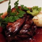 ラ・ボンボニエール - 牛イチボとフォアグラの赤ワインソース