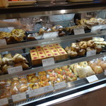 ブレドール - 美味しそうなパンが色々