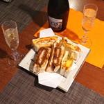 コンパル - 夕食はスパークリングワインと一緒に