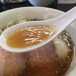牛骨らぁ麺マタドール - 醤油スープ