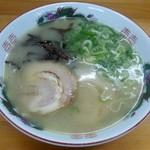 ぎょらん亭 - 豚骨七三ラーメン(細麺)