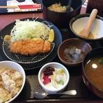 華屋与兵衛 - 料理写真:あさりご飯と熟成ロースカツ膳(¥1,480+税)