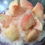 千里香 - 料理写真:かき氷 桃丸ごと2個使用の桃スペシャル