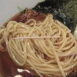 なな蓮 - 麺の形状、太さ