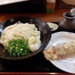 さぬきうどん冨家 - 料理写真:ぶっかけうどん・ちくわ天