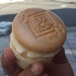 角屋 - アイスモナカ (大) ¥140