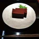 54767481 - 『水羊羹』(700円)!!大納言小豆、和三盆を使って作った水羊羹~!!冷たくて、ほど良い和三盆独特のまろやかな風味と甘みを感じた~♪(^o^)丿
