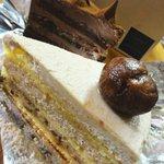 高松珈琲 - マロンのショートケーキ700円、チョコレートケーキ700円