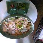 ニャー・ヴェトナム - 鶏肉と野菜のフォー