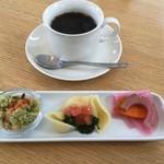 カフェ オムニバス -