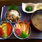 大洗 お魚食堂 - 人気一番ミニ丼トリオ1200円