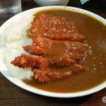 ピレーネ - ロースカツカレー 680円